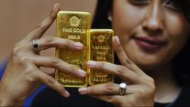 Akhir Pekan, Harga Emas Antam Turun Lagi Rp1.000 per Gram