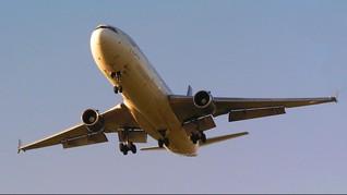 Kenakan Pakaian Terbuka, Wanita Diminta Turun dari Pesawat