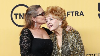 Bintang Hollywood Ramai-Ramai Kirimkan Doa Bagi 'Putri Leia'