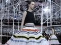 Raf Simons Gabungkan Gaya Fesyen 60-an dan Abad 21
