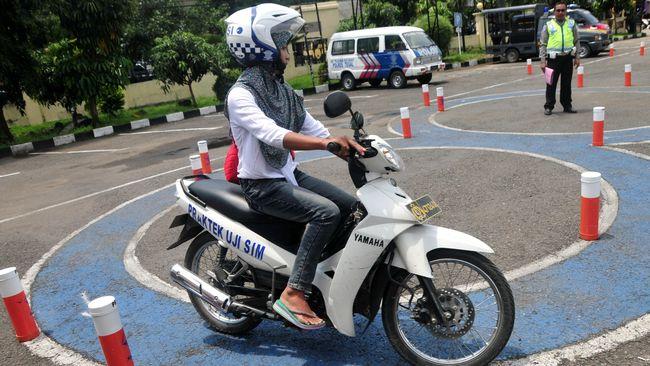 Gangguan Jaringan 4 Jam, 400 Pemohon SIM Daan Mogot Menumpuk