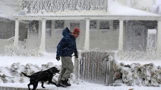 Cuaca Dingin Ekstrem di AS Ganggu Penerbangan Hingga Bisnis
