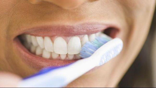 Bahaya Langsung Menyikat Gigi Setelah Selesai Makan
