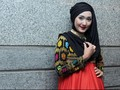 Dian Pelangi Hadirkan Busana Muslim Monokromatik di London