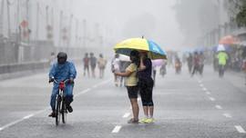 BMKG Ingatkan Hujan Lebat dan Angin Kencang dalam Tiga Hari