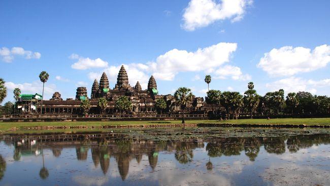 Angkor Wat Jadi Ladang Amal Bagi Turis Dari Seluruh Dunia
