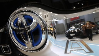 Toyota Tertarik Suplai Mobil <i>Hybrid</i> Buat Blue Bird