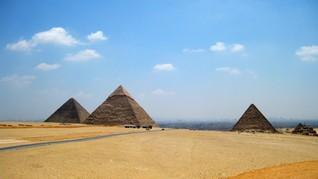 Ledakan Bom Lukai Belasan Turis di Dekat Piramida Giza