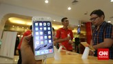 Dari sisi peranti keras, kedua iPhone baru ini dibekali prosesor A8 dengan kemampuan proses 64-bit yang diklaim 25 persen lebih cepat dari prosesor A7 pada iPhone 5s (CNN Indonesia/ Adhi Wicaksono)