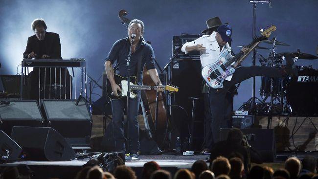 Bruce Springsteen Pastikan Kembali Jadi 'Anak Band'