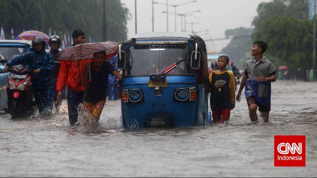 Bantaran Sungai Ciliwung Dipastikan Terendam Banjir
