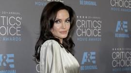 Harapan Angelina Jolie Usai Rilis Film Genosida di Kamboja