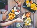 Alasan Kenapa Sebaiknya Menu Restoran Anda Dipilihkan Teman