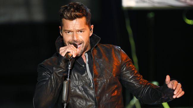 Ricky Martin Sambut 2019 dengan Kelahiran Bayi