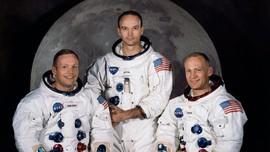 Neil Armstrong 'Sembunyikan' Sejumlah Benda dari Misi Apollo