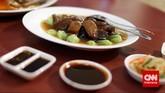 Sea cucumber atau haisom, atau lebih dikenal teripang merupakan salah satu makanan 'mewah' karena tidak disajikan setiap saat. Harganya pun cukup mahal. Teksturnya kenyal dan biasa disajikan dengan jamur.
