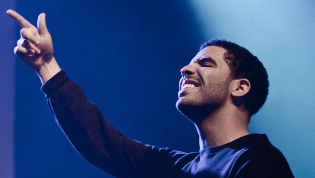 Dicium Madonna, Drake Menangis Ketakutan