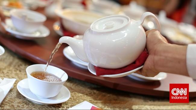 Menu khas hot tea dalam