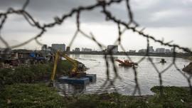 14 Waduk Jakarta Dikeruk Jelang Musim Hujan