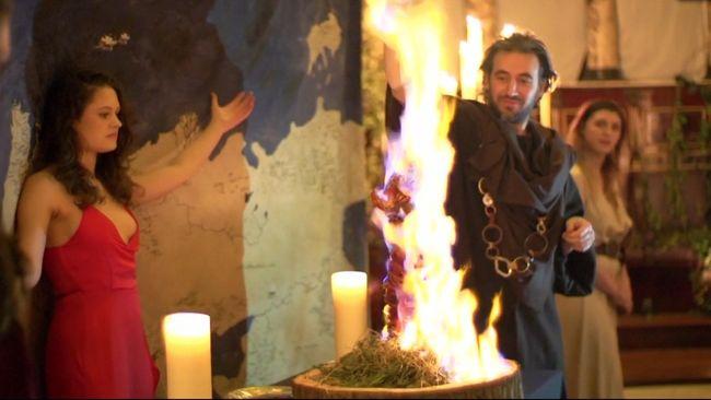 Makan Telur Naga & Sumsum Tulang di Restoran Game of Thrones