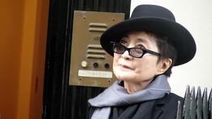 Kenang 39 Tahun Lennon Tewas, Yoko Ono Bahas Aturan Senjata