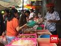 Berburu Lampion hingga Pasak Bumi di Pasar Petak Sembilan