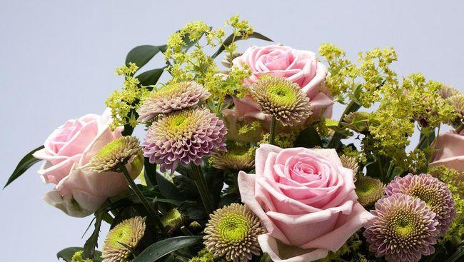 <i>Flower Powers</i>: Cinta, Kepuasan Hidup, dan Kesehatan