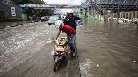 Hujan Deras Satu Malam, Sebagian Jakarta Terendam