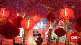 Perayaan tahun baru Imlek di salah satu pusat perbelanjaan, Jakarta, Kamis (19/2). Warga keturunan Tionghoa merayakan Tahun Baru Imlek 2566. (CNN Indonesia/Adhi Wicaksono)