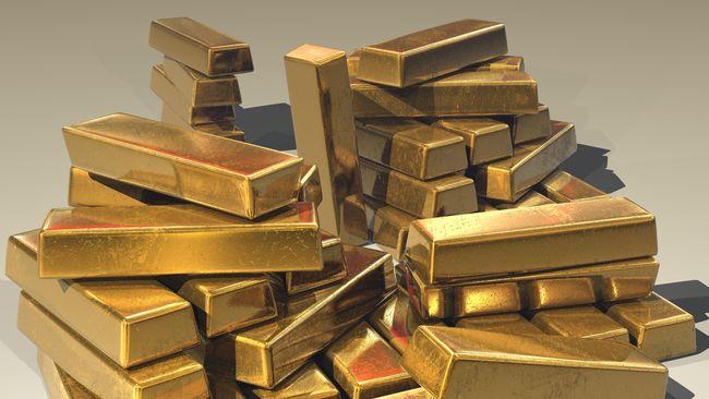 Wanita Ditangkap karena Selundupkan 2 Kilo Emas Dalam Sepatu