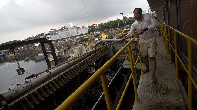 Musim Hujan Tiba, Jakarta Keluhkan Pompa Tersumbat Sampah