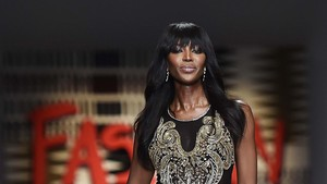Menginspirasi, Naomi Campbell Sabet 'Fashion Icon Award' CFDA