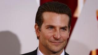 Bradley Cooper Pilih Kongko Usai Putus dari Irina Shayk