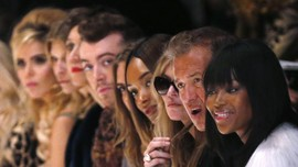 Selain Vogue, Label Busana Putuskan Kerjasama Mario Testino