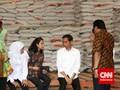 Pertama Kali Masuk Gudang Bulog, Jokowi Salurkan Raskin