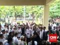 Hindari Ricuh Antarkubu, Lulung Berdoa Bersama Massa PPP