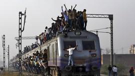 India Benahi Transportasi Kereta