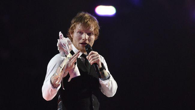 Ed Sheeran Tunda Rilis Album karena Kemenangan Trump
