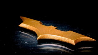 'Gila' Batman, Pria Inggris Ciptakan Batcave