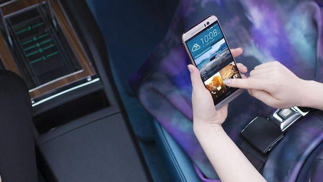 Ponsel Bitcoin HTC Kini Bisa Dibeli Pakai Uang Resmi