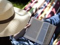 Membaca Novel Romantis Bisa Buat Anda Jadi Lebih 'Hot'