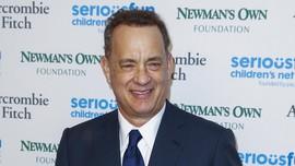 Tom Hanks Traktir Makan Warga Lokal di Kota Kecil