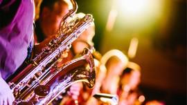 Kota Musik New Orleans Kecilkan Volume Suara