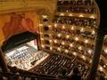 Pertunjukan Opera Terusik Abu Orang Meninggal
