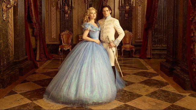 Gaun Cinderella Dibuat 12 Lapis Dan Bertabur 10 000 Kristal