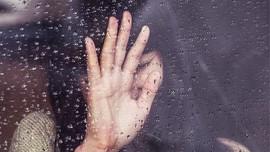 Belajar dari Sulli, Kita Perlu Cegah Keinginan Bunuh Diri