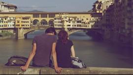 Alasan Anda Jatuh Cinta pada Sosok Seperti Mantan Kekasih