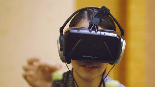 Oculus Pamer Kacamata Virtual Reality yang Siap Dijual