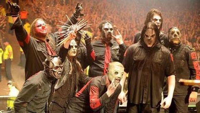 Slipknot Batal Tampil di Knotfest, Fan Bakar Drum Evanescence