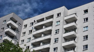 Balita Selamat Usai Jatuh dari Lantai 6 Apartemen